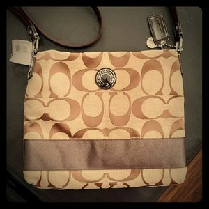 BNT Authentic Classic COACH File Handbag
